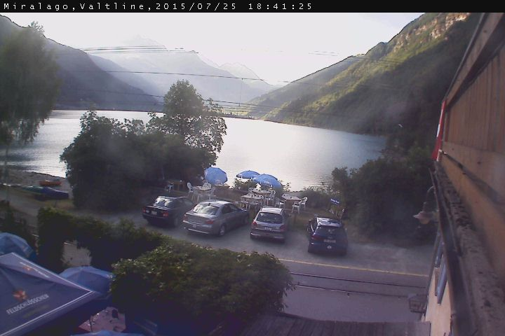 http://www.webcam2.valtline.it/poschiavo.jpg